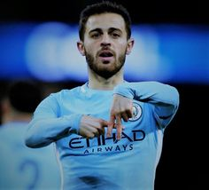 Bernardo Silva has recently stated that before retiring he wants to play in the Portuguese League. The Manchester city's midfielder. Dream Team, Major League, Manchester City, Portuguese, Football, Play, Wallpaper, Sports, Hs Football