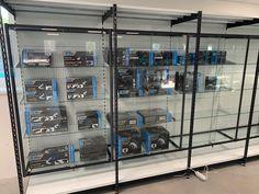 Skleněné vitríny, které se dají uzamknout. Skvěle se hodí pro vystavení zboží. Lockers, Locker Storage, Room, Furniture, Home Decor, Bedroom, Decoration Home, Room Decor, Locker
