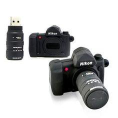 Fotoğraf tutkunu herkesin beğeneceğine emin olduğumuz bir ürün, Camera Flash Drive. Sevdiklerinize kullanışlı ve havalı bir hediye vermiş olacaksınız.  #AnındaBankacılık #technology #photography #photo #gift #hediye #teknoloji