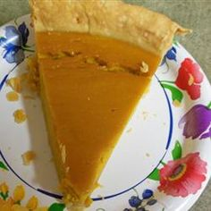 healthy dessert recipes, canned pumpkin dessert recipes, banana split dessert recipe - This recipe uses Hubbard squash to make a custard-like pie filling for a sweet treat destined to become an annual favorite at family holiday gatherings. Tart Recipes, Healthy Dessert Recipes, Cooking Recipes, Jello Desserts, Pudding Desserts, Simple Recipes, Cheesecake Recipes, Veggie Recipes, Hubbard Squash Pie Recipe