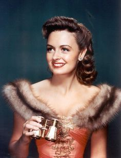 Donna Reed: vintage perfection.