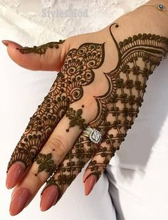 Gorgeous Henna Mehndi Style for Wedding Day In 2019 - - Tattoo Ideen - Henna Designs Hand Henna Hand Designs, Dulhan Mehndi Designs, Mehandi Designs, Mehndi Designs Finger, Latest Arabic Mehndi Designs, Modern Mehndi Designs, Mehndi Design Pictures, Mehndi Designs For Beginners, Bridal Henna Designs