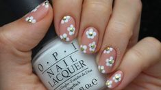 Cute Studded Daisy Nail Art