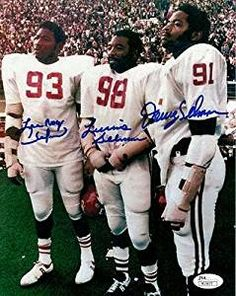 Lee Roy Lucious and Dewey Selmon for the Oklahoma Sooners in the early Lee Roy became one of the greatest Buccaneers of all time and currently their only Hall of Fame player. Ok Sooners, Oklahoma Sooners Football, College Football Players, Ou Football, Collage Football, Football Season, Baseball, Boomer Sooner, University Of Oklahoma