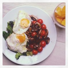 #breakfast today was lots of greens, mushrooms and tomatoes with #organic #freerange #eggs and a #nutribullet mango and orange #smoothie - this breakfast has more than the 5 recommended portions of fruit and veg in just one meal so sets me up perfectly for the day ☺  #paleo #paleouk #paleobritain #primal #eatbetter #eatwell #eatrealfood #justeatrealfood #eatclean #cleaneating #nutrition #cleanfood #eatforabs #instafood #glutenfree #grainfree #dairyfree #sugarfree #healthyfats #nutrientdense…