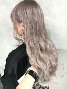 Silver Blonde Hair, Light Blonde Hair, Blonde Hair Looks, Honey Blonde Hair, Light Hair, Silver Hair Asian, Korean Hair Color Ash, Blonde Hair Korean, Dark Grey Hair Color