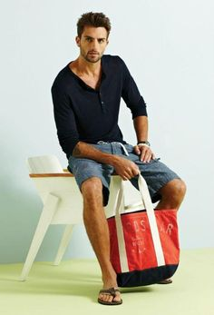 cool casual beach style with tote bag
