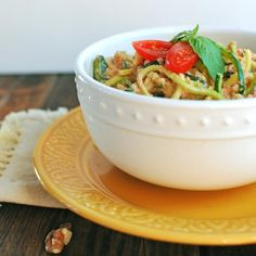 28 Irresistible and Quick Zoodle (Zucchini Pasta) Recipes #zucchini #zoodles #spaghetti #pasta #noodles   hurrythefoodup.com