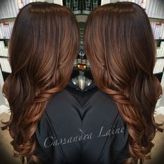 dark brown hair with medium brown balayage dunkelbraunes Haar mit mittelbraunem Balayage Hair Color And Cut, Brown Hair Colors, Hair Colour, Brown Hair Red Undertones, Hair Color Ideas For Dark Hair, Rich Hair Color, Indian Hair Color, Ombre Color, Brown Balayage