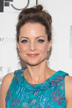 Kimberly Williams-Paisley went with a waved updo and flirty makeup at the All Is Lost, 12 Years a Slave, and Nebraska premieres. Major Models, Role Models, Cool Summer Palette, Summer Colors, Kimberly Williams, Brad Paisley, Kimberly Paisley, Emily Deschanel, Fancy Hairstyles