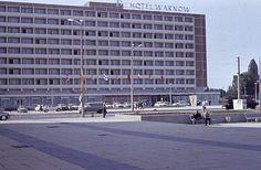 Hotel Warnow in Rostock, Christuskirche im Hintergrund 1967, DDR