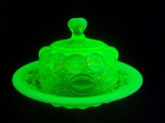 YELLOW CANARY EYE WINKER VASELINE OPALESCENT GLASS DOMED BUTTER DISH