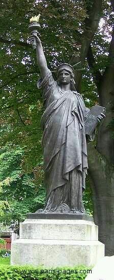Paris new york le aux cygnes 15 me paris l 39 aventure - Statue de la liberte jardin du luxembourg ...