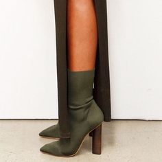 Pure Color Pointed Toe High Chunky Heels Half Boots – Bags in Cart Cute Shoes, Me Too Shoes, Heeled Boots, Bootie Boots, Ankle Boots, Yeezy Season 2, Season 3, Designer High Heels, Low Boots