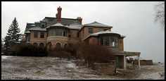 Back of a waterfront #mansion in #Toronto area being deconstructed for condo's. #photography #demolition #whatashame