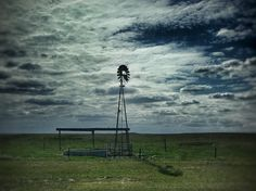 I saw this windmill as I crossed over into North Dakota.  Beautiful view.