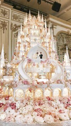 Huge Wedding Cakes, Castle Wedding Cake, Extravagant Wedding Cakes, Amazing Wedding Cakes, Elegant Wedding Cakes, Wedding Cake Photos, Wedding Cake Designs, Disney Wedding Cakes, Fountain Wedding Cakes