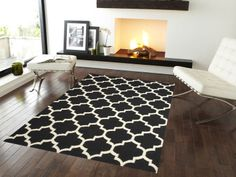 18 Excellent Black & White Carpet Designs To Adorn Your Living Room Black And White Carpet, Yellow Carpet, Beige Carpet, Modern Carpet, Dark Carpet, Black White, Wool Carpet, Jute Carpet, Neutral Carpet