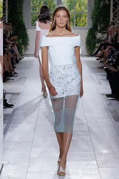 At his namesake brand, Alexander Wang has been known to attract some big-name models to walk his show. The same extended to Balenciaga, where he got Daria Werbowy to close the spring 2014 show.