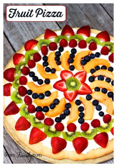 Easy Fruit Pizza Sugar Cookie Crust, Cream Cheese and Fresh Fruit! Healthy and Easy Fruit Pizza Recipes. Variety of colorful summer creations including sliced fruit, cookie dough and cream cheese! Fruit Pizza Frosting, Fruit Pizza Bar, Easy Fruit Pizza, Dessert Pizza, Eat Pizza, Fruit Dessert, Fruit Pizzas, Fruit Tarts, Fruit Snacks
