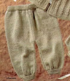 Post by Cordelia at Balkissock Baby Boy Knitting, Baby Knitting Patterns, Crochet Slippers, Knit Crochet, Baby Shoes Pattern, Knit Baby Sweaters, Baby Pants, Baby Cardigan, Gym Shorts Womens