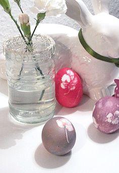 Ostereier färben mit Blättertechnik - Ostereier färben - Bastelideen für Ostern