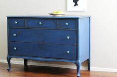 """Natty by Design: milk paint & clear coats  try Benjamin Moore's """"Stay Clear"""" for a water based poly finish"""