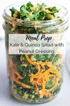 Meal Prep Kale & Quinoa Salad with Peanut Dressing - Quinoa rezept Healthy Dishes, Healthy Salads, Healthy Drinks, Healthy Foods, Healthy Recipes, Kale Recipes, Carrot Recipes, Juicer Recipes, Kale Quinoa Salad