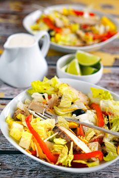 Looking for salad recipes for dinner? Try this easy to make Chicken Fajita Salad recipe. Or use the salad in low carb or whole wheat wraps to make healthy sandwiches! Chicken Fajita Salad Recipe, Chicken Fajitas, Chicken Recipes, One Pot Dishes, One Pot Meals, Grilling Recipes, Cooking Recipes, Salad Recipes For Dinner, Healthy Sandwiches