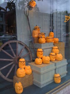Halloween/Autumn #eyewear window display. #merchandising