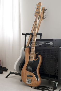 1977 Fender Jazz Bass