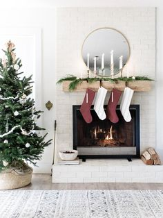 Laine & Layne Holiday Home Tour