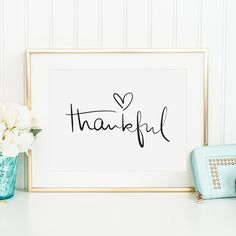 Poster Print Wallart Fine Art-Print Spiritual Quotes: Thankful Poster Print Ruhe Poster Dankbar Poster Kunstdruck: The post Poster Print Wallart Fine Art-Print Spiritual Quotes: Thankful appeared first on Babyzimmer ideen. Brush Lettering, Hand Lettering, Art Prints Quotes, Fine Art Prints, Kunst Poster, Design Poster, Poster Designs, Spiritual Quotes, Printable Wall Art