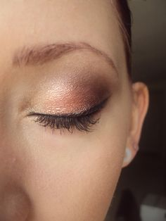 Eyeshadows used:  Inner Eye: Queen Phyllis (pale gold), Bare Escentuals  Lid: Citrus Twist (peachy pink), Bare Escentuals  Crease and Outter-V: Soul Sister (warm plum), Bare Escentuals