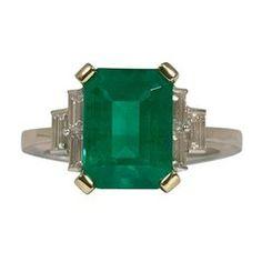Emerald Shaped Emerald and Diamonds Baguettes Yellow and White Palladium Gold