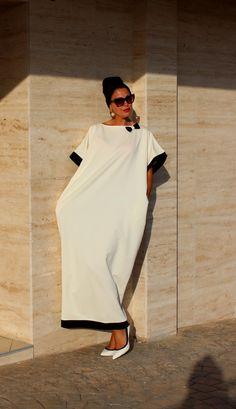 Black and off white Caftan Abaya Maxi Dress par cherryblossomsdress