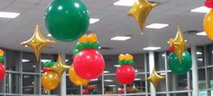 Winter and Christmas Balloon Decorations Balloon Cars, Christmas Balloons, Balloon Bouquet, Christmas Design, Balloon Decorations, Christmas Inspiration, Xmas, Car Dealerships, Monopoly