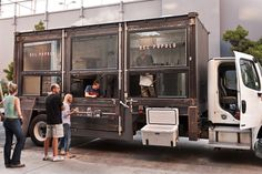 Pizza Del Popolo Blows Up the Food Truck