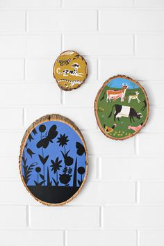 Your fave childhood illustrations can become artistic inspirations with this wooden wall-hanging #DIY!