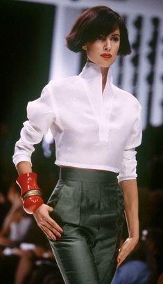 design of blouse back \ design of blouse . design of blouse patterns . design of blouse back . design of blouse indian weddings . design of blouse sleeves Look Fashion, Runway Fashion, High Fashion, Fashion Outfits, Womens Fashion, Fashion Design, Fashion Trends, Classic White Shirt, White Shirts