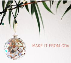 Make Mosaic #Christmas Ornaments from Old CDs by Creme De La Craft, featured @totgreencrafts