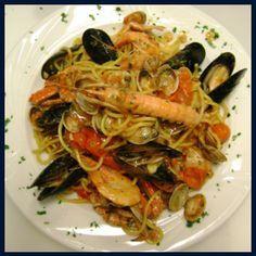 Zoodle Recipes, Ramen Recipes, Entree Recipes, Seafood Recipes, Gourmet Recipes, Fancy Recipes, Spaghetti Squash Noodles, Pasta Noodles, Italian Baby