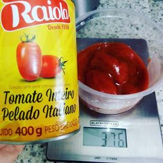Pode isso Arnaldo? Informar um peso na lata e colocar a menos? Alô Raiola! Acho que isso é fraude não? @raiolafood que importa esse molho de tomate como faz? Pode isso?  #fraude #raiola #tomatepelado #molhodetomate