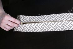 How to Make Box Cushions with a Zipper | OFS Maker's Mill Custom Cushion Covers, Custom Cushions, Upholstery Cushions, Upholstery Foam, Zipper Bedding, Cushion Tutorial, Diy Couch, How To Make Box, Box Cushion