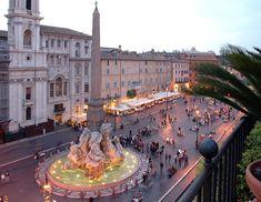 Fontana dei Quattro Fiumi (Fountain of Four RIvers) in Piazza Navona, Rome Italy