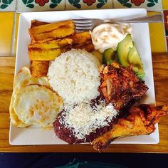 Couldn't help myself from posting some amazing Honduran eats #repost from…