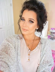 ciaoobelllaxo NEW VIDEO will be up tomorrow! If any of you are into planners.I'd definitely check it out! Skin Makeup, Beauty Makeup, Hair Beauty, Makeup Inspo, Color Me Beautiful, Hello Gorgeous, Makeup Needs, Makeup Looks, Beauty Trends