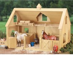 Traditional Series - Deluxe Wood Barn Breyer 302