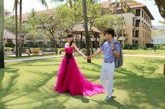 桃紅婚紗搭配黑色緞帶