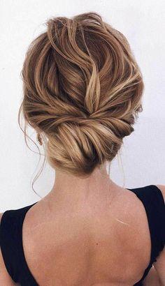 Low Bun Wedding Hair, Bridal Hair Updo, Bridal Hair Vine, Wedding Hair And Makeup, Hair Half Updo, Boho Hair Updo, Hair Ideas For Wedding Guest, Wedding Half Updo, Hair Dos